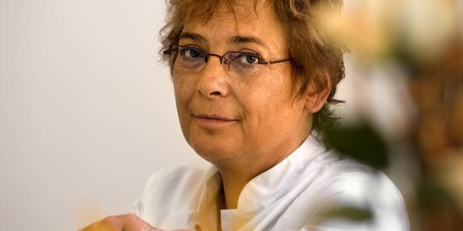 Weibliche Plastische Ärztin dr Linda Visser